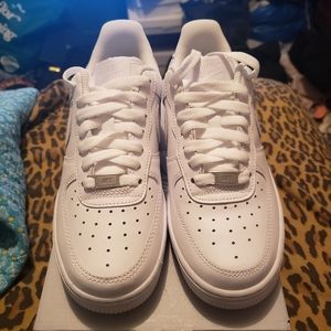 NIKE AIR FORCE 1'S 07 BRAND NEW SNEAKERS